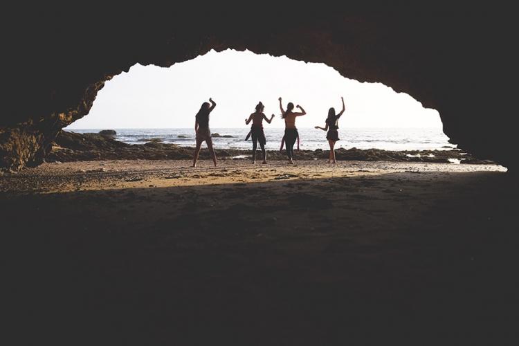 beach caves 03